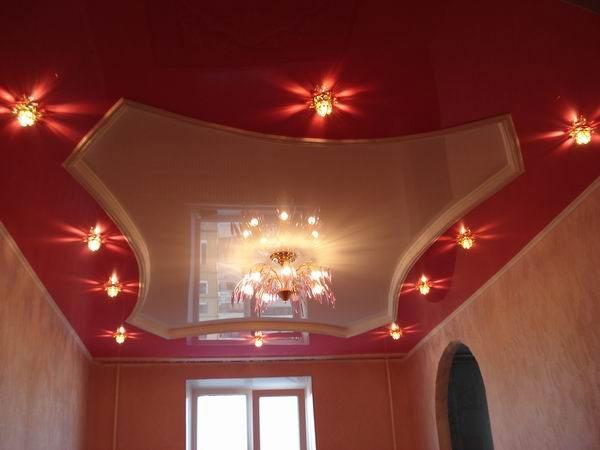 Натяжной потолок с применением глянцевой ПВХ пленки