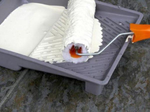 Обкатка валика о рифлёное крыло ванночки