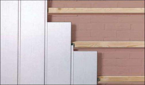 Обшивка пластиковыми панелями с применением деревянной обрешетки