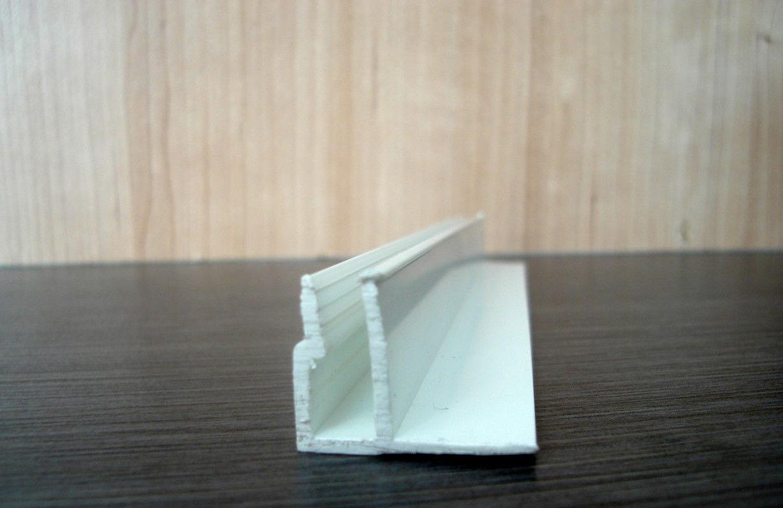 Образец потолочной ПВХ галтели для натяжного потолка