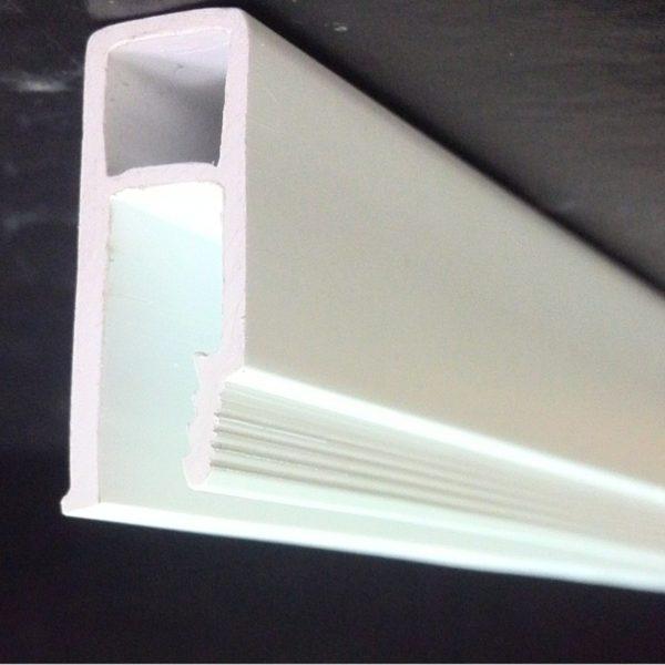 Образец стеновой ПВХ галтели для натяжных потолков
