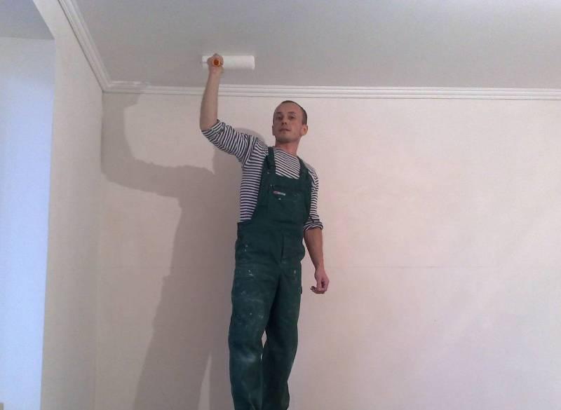 Окраска потолка водоэмульсионкой
