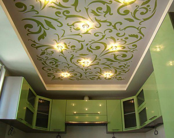 Оригинальный дизайн тканевого потолка на кухне