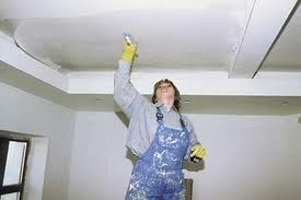 Проведение отделки потолка