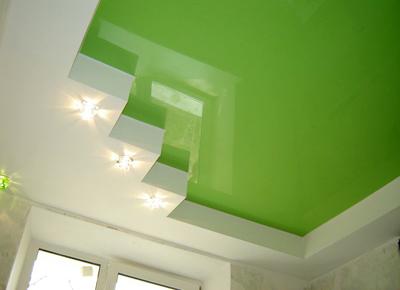 С использованием натяжных потолков помещению очень просто придать свежести, красоты и стиля