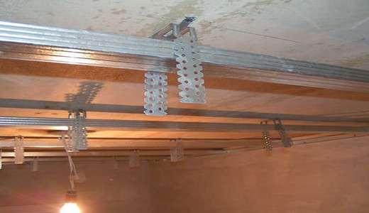 Потолок из пластиковых панелей: как 25