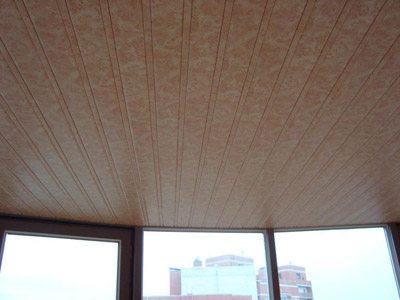 Разные цвета и текстуры дают возможность подобрать потолки в любом стиле.