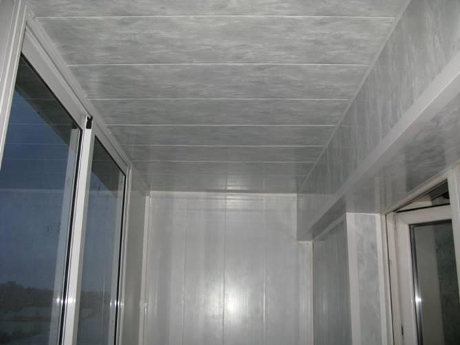 Потолок в балконе из пластика своими руками видео