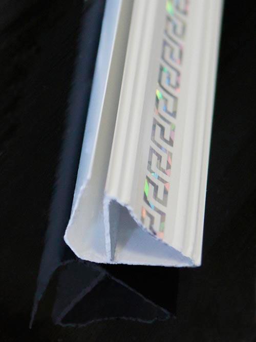 Потолочный плинтус для ПВХ панелей с узором