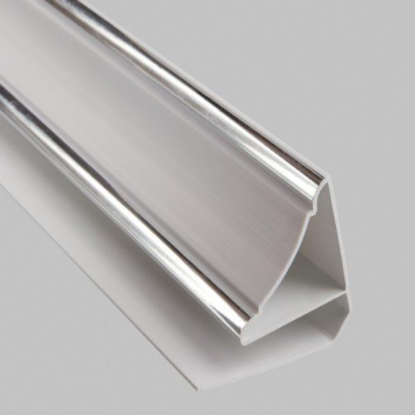 Плинтус ПВХ – это по сути тот же стартовый профиль, но с декоративным элементом в верхней части