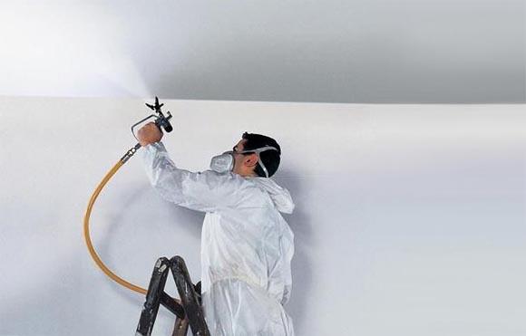 Пневматика позволяет покрасить потолок максимально быстро и качественно