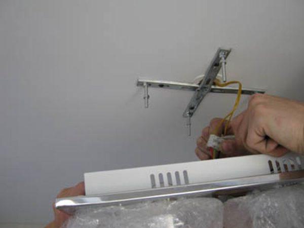 Подключение производится быстро, если использовать специальные соединители