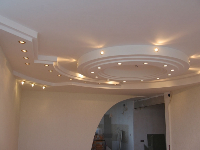 Для потолка покрытия из гипсокартона сложной конфигурации являются одними из наиболее привлекательных в плане дизайна