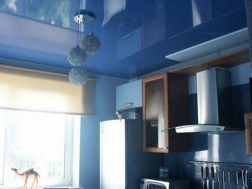 Натяжной потолок на кухне в хрущевке