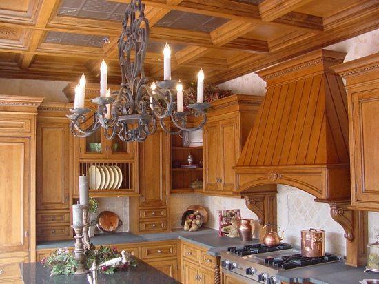 Уют и богатство – это то, что отличает кессонированные потолки