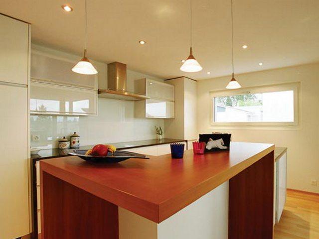 Сатиновые натяжные для кухни потолки