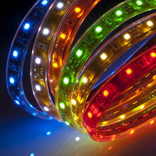 Подсветка потолка может воплотить в жизнь даже самые смелые фантазии