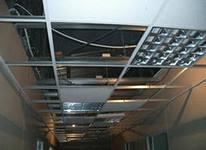 Монтаж потолков Байкал предполагает установку декоративных плит после монтажа светильников