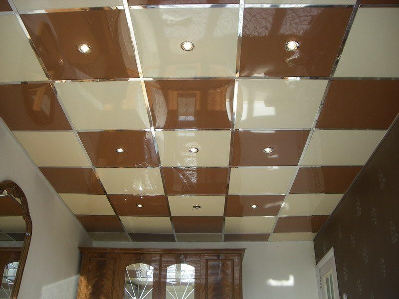 Подвесной зеркальный потолок Армстронг доступен в различных вариантах