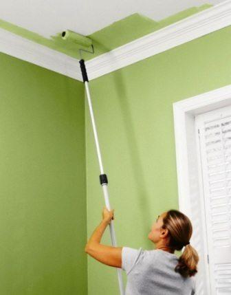 Покраска потолка в кухне