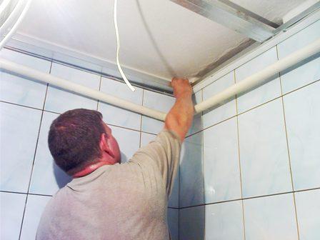 Потолок в ванную подвесной своими руками