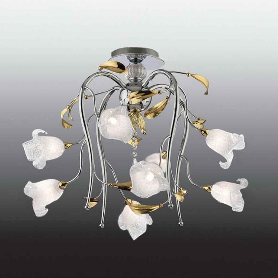 Яркий пример потолочной люстры флористика