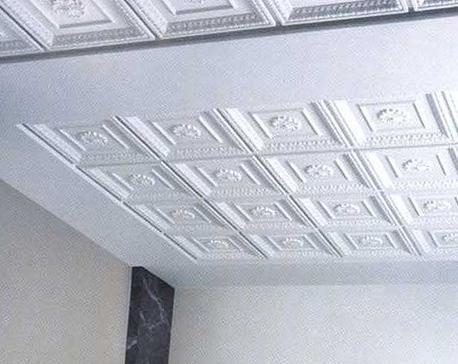 Пенопластовые панели на потолке