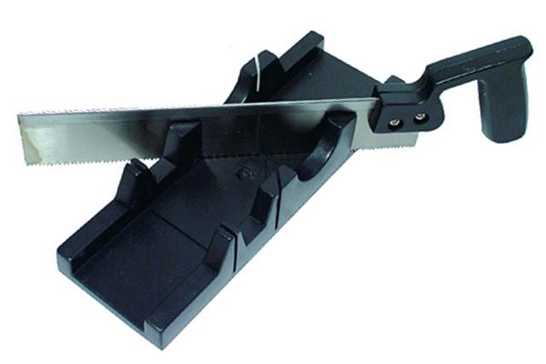 Так выглядит стусло для подрезки потолочного плинтуса