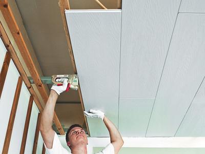 Обшивка потолка панелями Изотекс