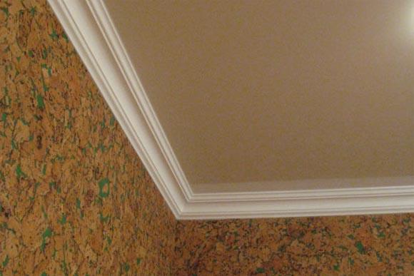 Потолочный плинтус – логичное завершение вашего домашнего ремонта
