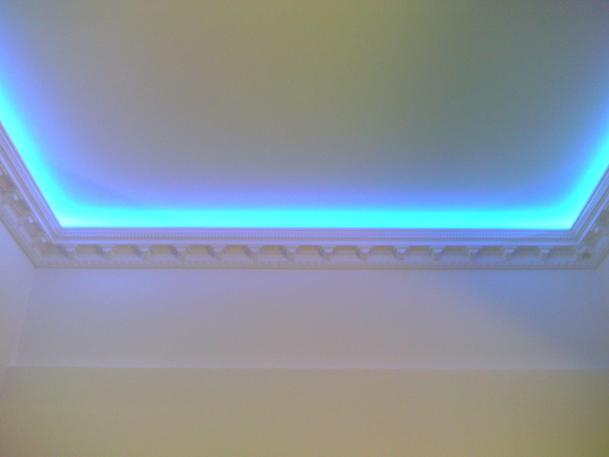 Подсветка потолка своими руками светодиодная лента