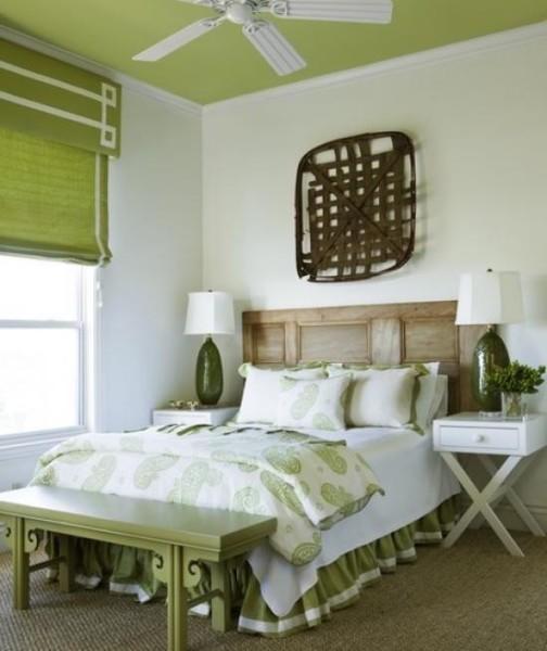 Пример правильно подобранного молдинга для помещения с низкими потолками