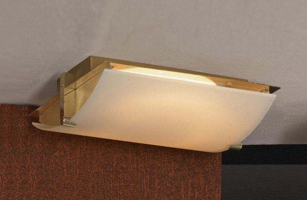 Обычно светильник потолочный дневного света из-за рассеянного излучения часто применяется для невысоких комнат.