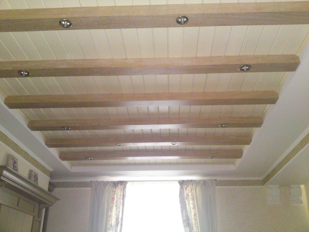 Нетрадиционное использование сайдинга может сделать потолок очень красивым
