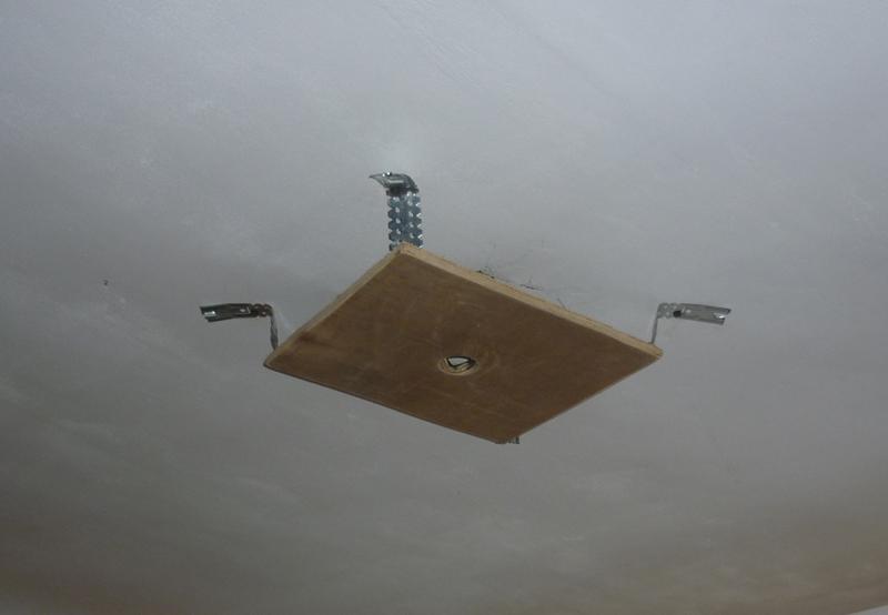 люстра на натяжной потолок фото