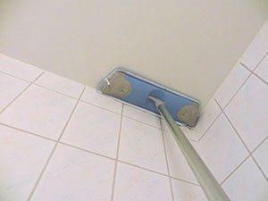 Шпаклёванные потолки лучше чистить пылесосом