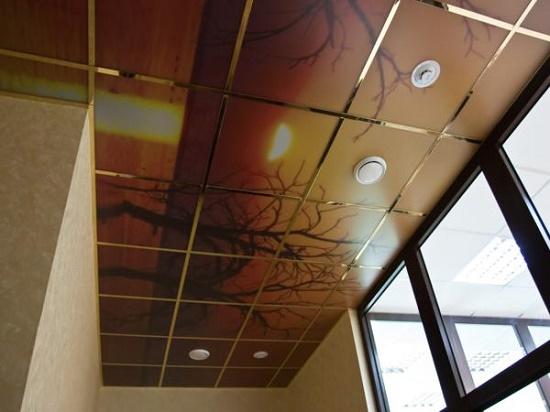 Потолок на лоджии может быть и таким