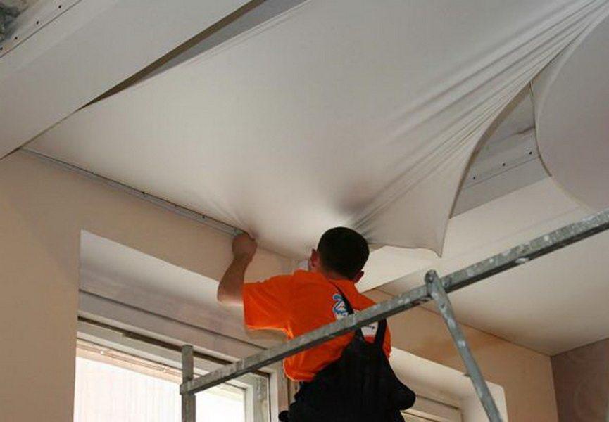 Монтаж винилового подвесного потолка