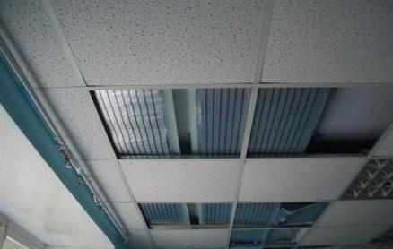 ПЛЭН под натяжным потолком
