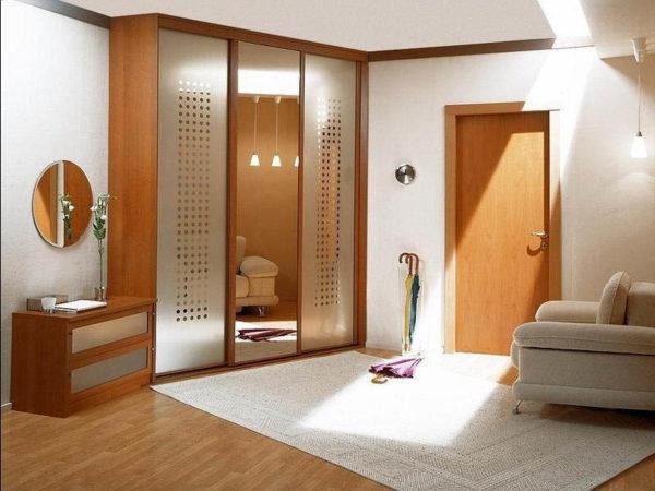 Правильно освещенная прихожая станет визитной карточкой вашей квартиры.