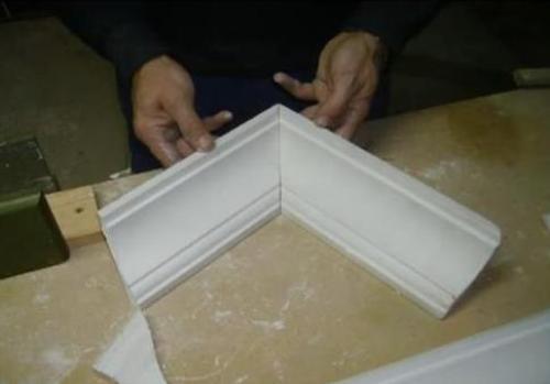 Правильно выполненные срезы при складывании образуют прямой угол