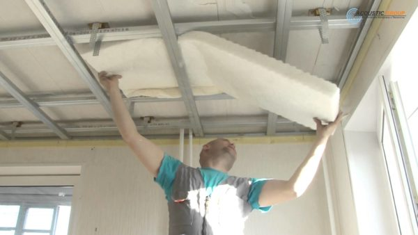 Предварительная шумоизоляция потолка решит проблему отсутствия корпуса у колонок
