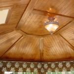 Пример деревянного потолка