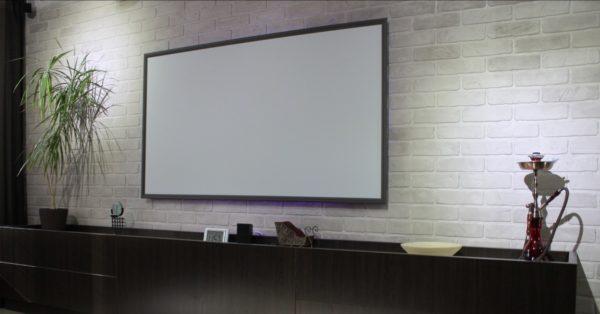 Рамочный экран стационарен.