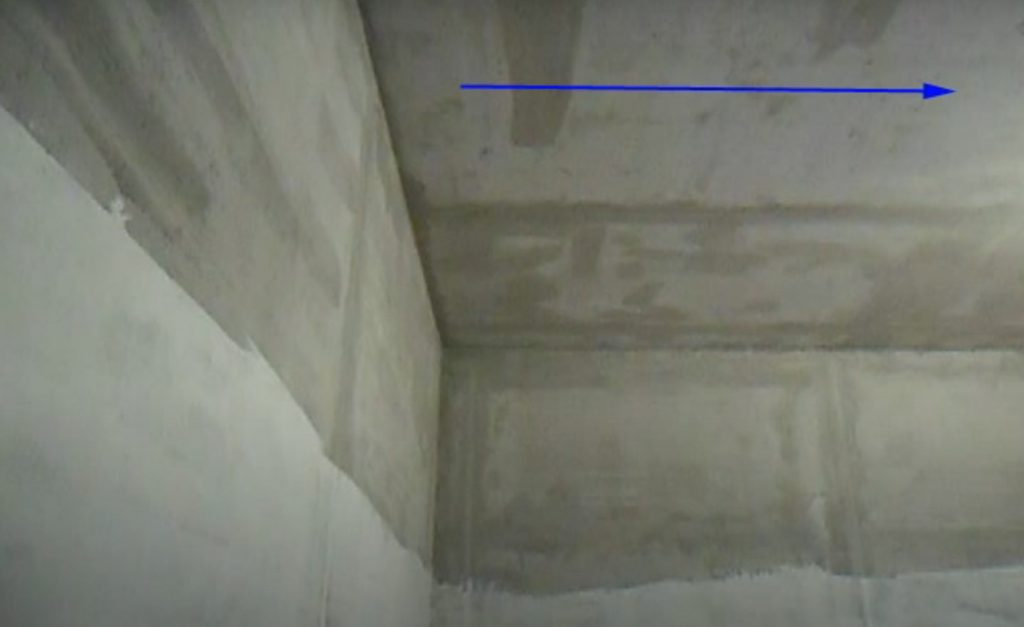 Если первый слой наносили по направлению к центру, второй ложится от угла к углу