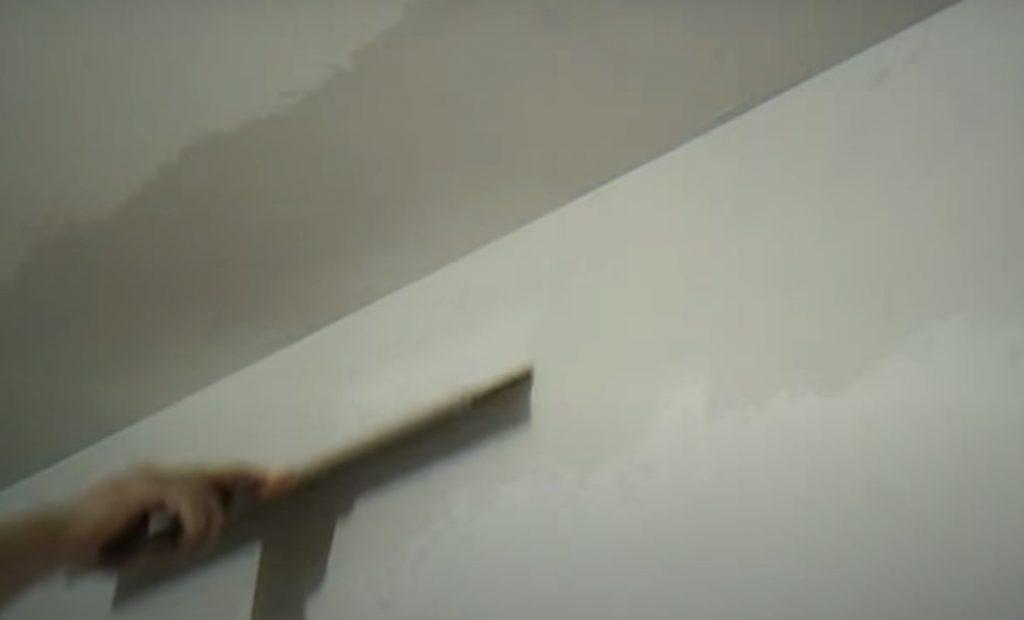 Шпатлевка потолка под покраску