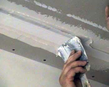 Грунтовка для потолка - виды грунтовки, особенности выбора