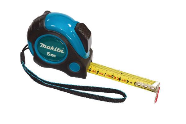 Рулетка – один из самых используемых инструментов, она всегда должна быть под рукой