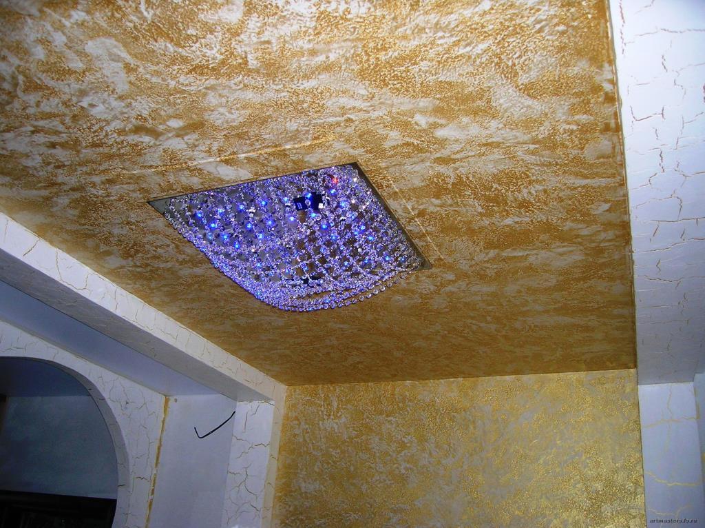 Декоративная штукатурка из шпаклевки на потолке