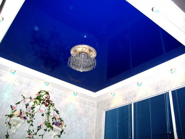 Синий потолок.